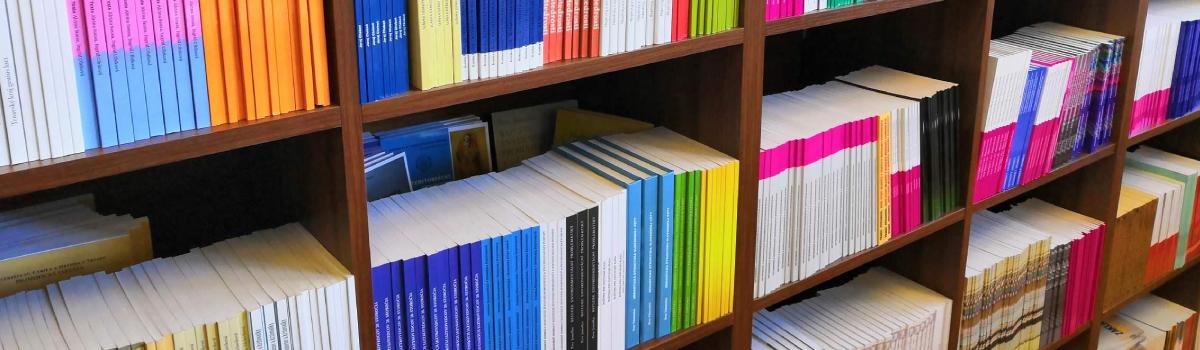 6e965454c UCM · Univerzitná knižnica · Univerzitná predajňa kníh · Knihy na predaj  pre kníhkupectvá